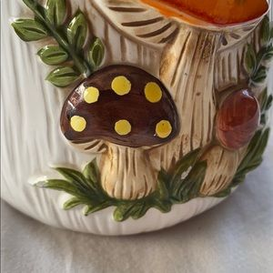 Vintage Kitchen - Merry Mushroom vintage 70s canister kitsch small
